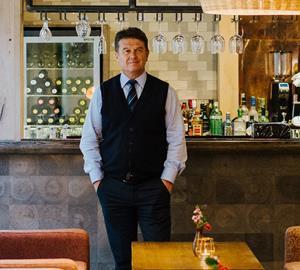 Peter Borg-Neal, Oakman Inns